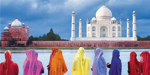 Dünyanın en önemli tekstil merkezlerinden Hindistan, endüstrisini yatırımlarla dönüştürüyor.