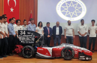 KORDSA, Formula Student yarışmasına katılan YTÜ Racing proje ekibine destek verdi.