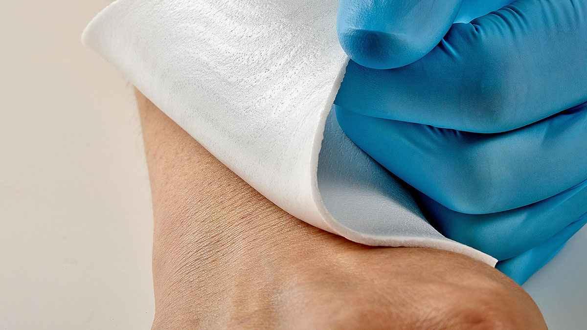 Freudenberg'den Yaraları Temizleyen Hidrofilik Köpük