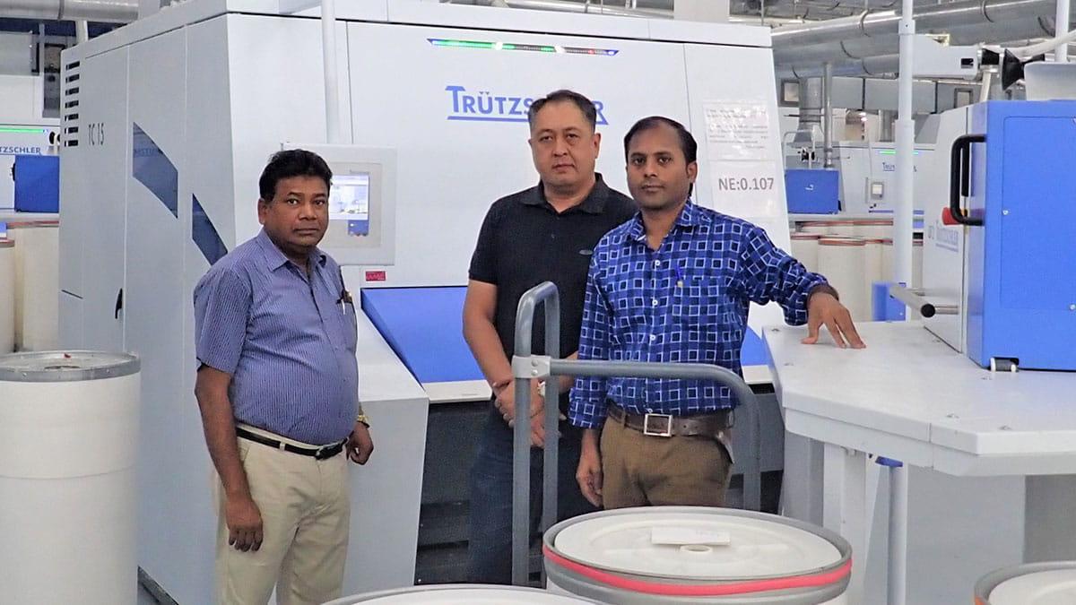 Mr. Sekar (left), Mr. Saidov (middle) ve Mr. Prakash (right) - Combed yarn waste become high-quality yarn with IDF2