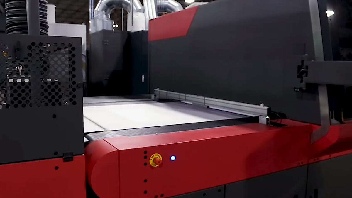 Yenilikçi oluklu ambalaj üreticisi için çözüm EFI Nozomi